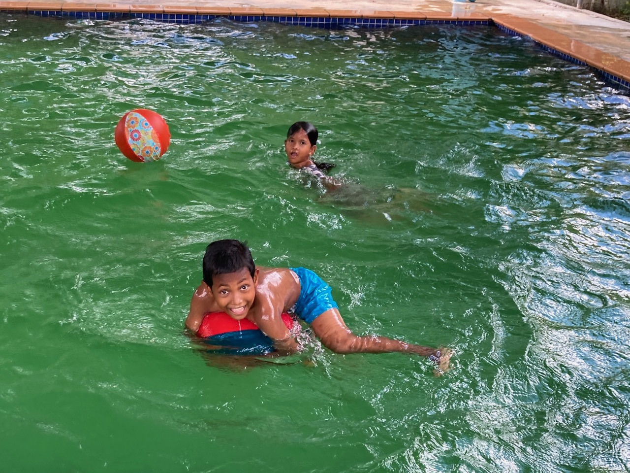 Baloon Balls in the pool30